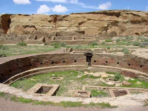 Chaco Canyon ancient ruins in New Mexico free photo