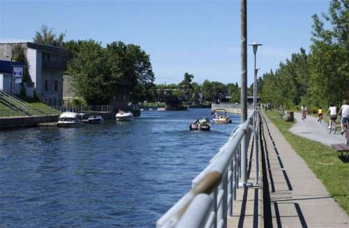 Chambly Canal in Saint-Jean-sur-Richelieu, Quebec, Canada free photo