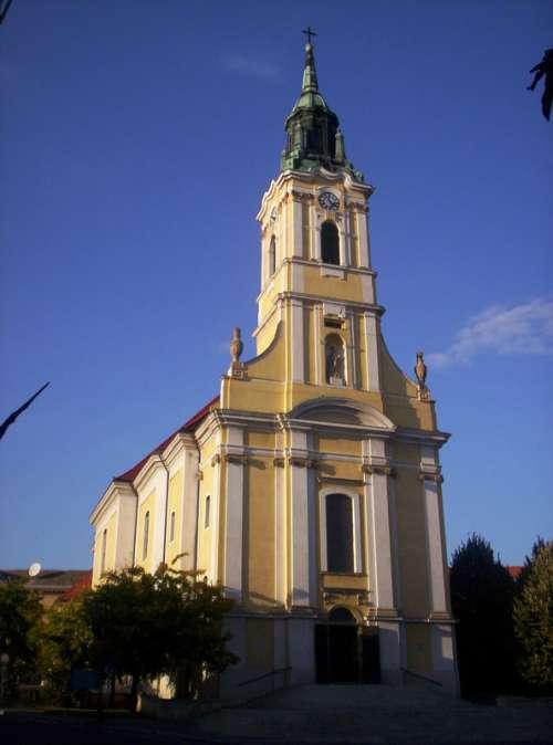 Church of King Béla square in Szekszárd, Hungary free photo