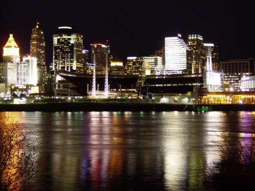 Cincinnati Skyline at night with lights in Ohio free photo