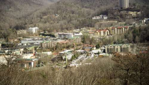 Close-up view of Gatlingburg town in Tennessee in the mountains free photo