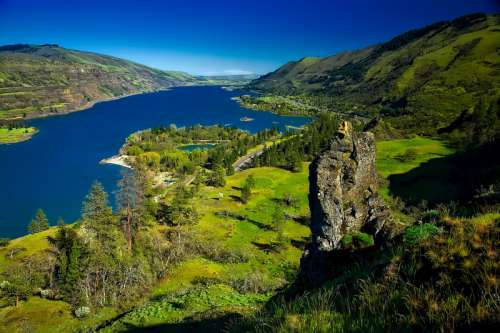 Columbia River Valley landscape in Oregon free photo