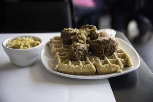 Dame's Chicken and Waffles in Durham, North Carolina free photo