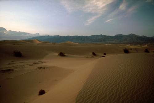 Desert dunes near Stovepipe Wells at Death Valley National Park, Nevada free photo