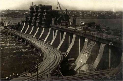 Dnieper Hydroelectric Station under construction in 1930 in Ukraine free photo
