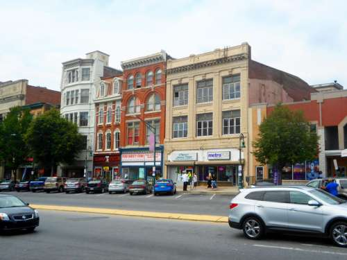 Downtown Reading the buildings and car in Pennsylvania free photo