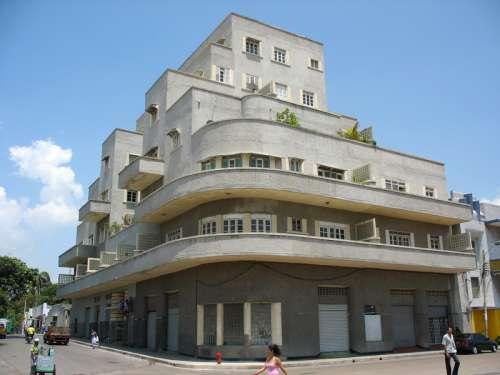 Edificio García in Barranquilla, Colombia free photo