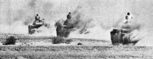 Egyptian tanks advancing in the Sinai in the Yom Kippur War in 1973 free photo