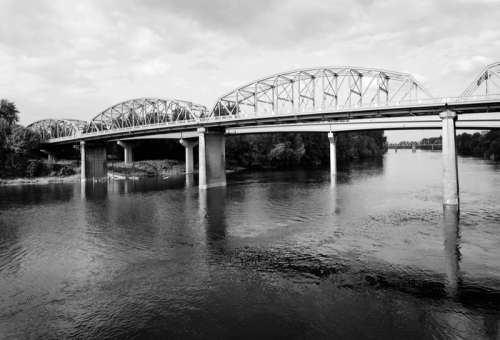 Ellsworth Street Bridge in Albany, Oregon free photo