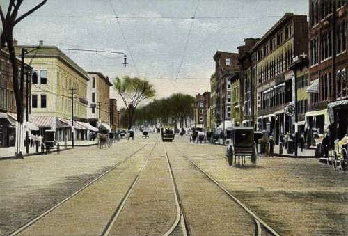 Elm Street view in 1905 in Manchester, New Hampshire free photo