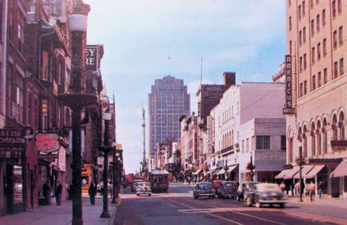 Hamilton Street West from 6th in 1950 in Allentown, Pennsylvania free photo