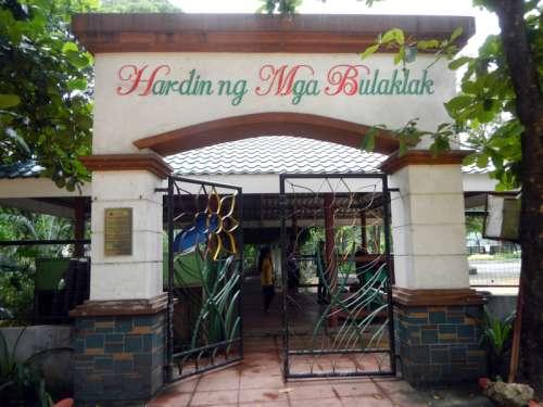 Hardin ng Mga Bulaklak gate in Quezon City, Philippines free photo
