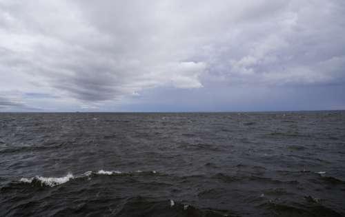 Horizon of Lake Superior in Duluth, Minnesota free photo