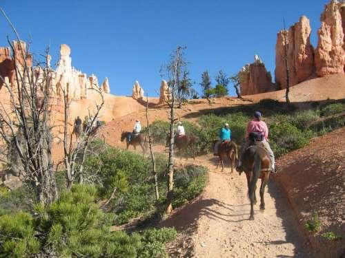 Horseback Riders in Bryce Canyon National Park, Utah free photo