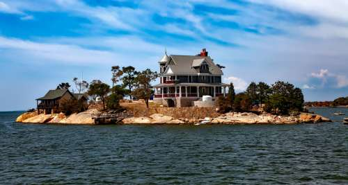 Houses on the Thimble Islands in Connecticut free photo