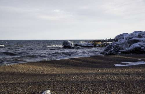 Icy shores of Lake Superior at Gooseberry Falls State Park, Minnesota free photo