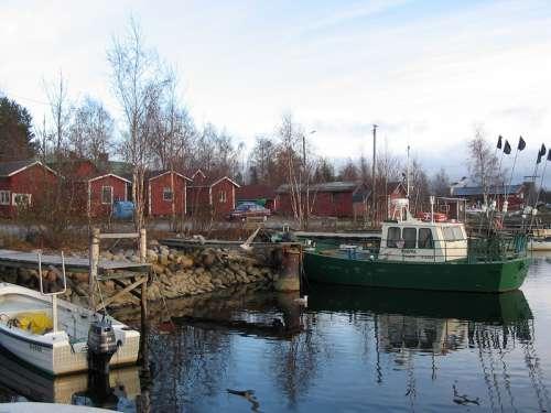 Kiviniemi fishing village in Haukipudas, Finland free photo