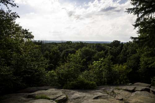 Ledges overlook landscape at Cayuhoga Valley National Park, Ohio free photo