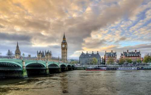 London with Victoria Bridge and Big Ben in England free photo