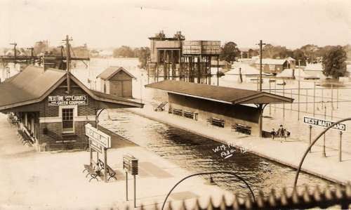 Maitland railway station in Flood, 1930 in New South Wales, Australia free photo