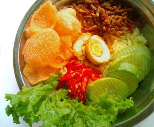 Nasi uduk traditional Indonesian Food free photo
