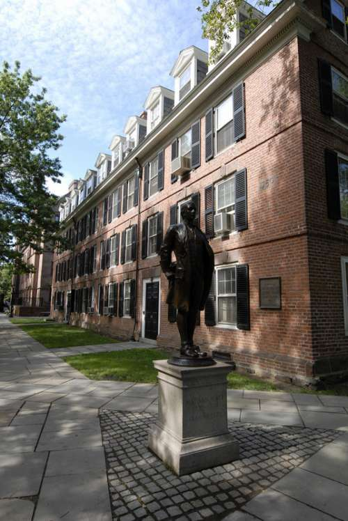 Nathan Hale Statue on Yale Campus in New Haven, Connecticut free photo