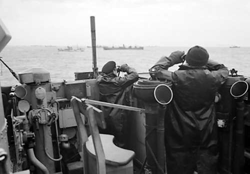 Officers on the bridge of an escorting British destroyer, Battle of the Atlantic free photo