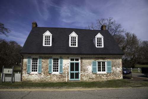 Old Colonial House in Yorktown, Virginia free photo