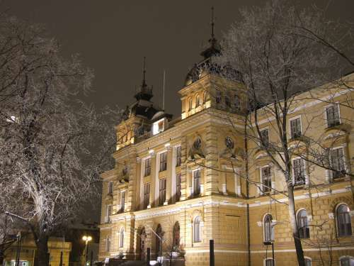 Oulu City Hall building in Finland free photo