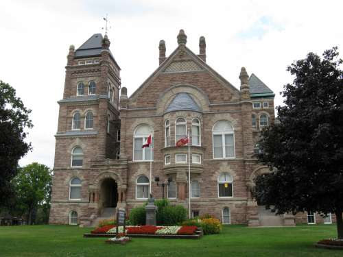 Oxford County Court House in Woodstock, Ontario, Canada free photo