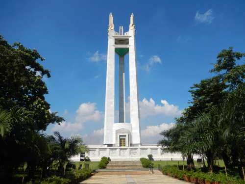Quezon Memorial Shrine in Quezon City, Philippines free photo