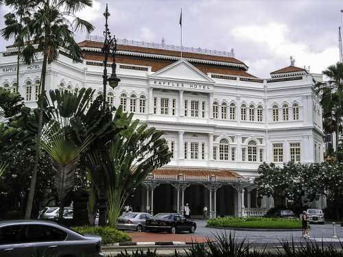 Raffles Hotel building in Singapore free photo