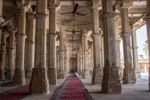 Rani Sipri'S Mosque Tomb in India free photo