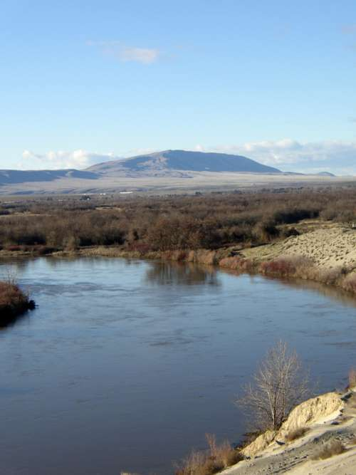 Rattlesnake Mountain from the Horn Rapids Golf Course in Richland, Washington free photo