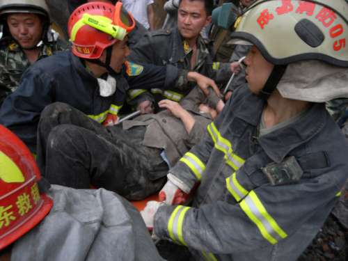Rescue workers after the Sichuan Earthquake, China free photo
