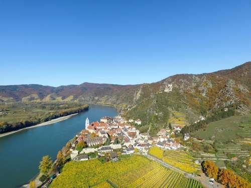 River and town in Durnstein Durnstein Niederosterreich, Austria free photo