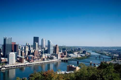 River landscape and Cityscape in Pittsburgh, Pennsylvania free photo
