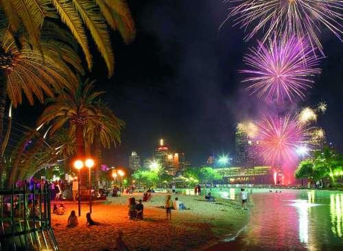 Riverfire fireworks during Brisbane Festival free photo