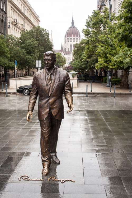 Ronald Reagan Statue in Budapest, Hungary free photo