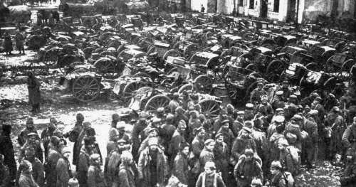 Russian prisoners and guns captured at Tannenberg during World War I free photo