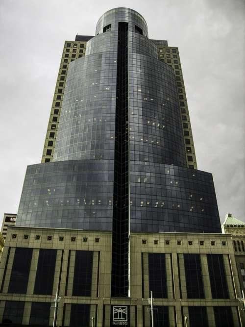 Scripps Building tower in Cincinnati, Ohio free photo