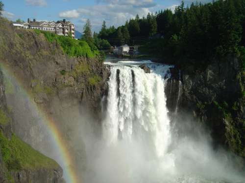 Snoqualmie Falls is featured notably in Twin Peaks in Washington free photo