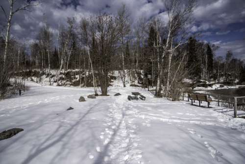Snowy hiking path at Temperance River State Park, Minnesota free photo