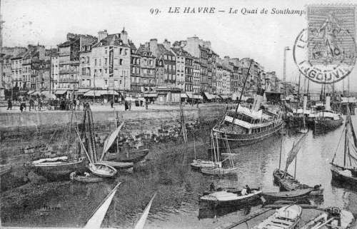 Southampton Quay in the 1920s in France free photo