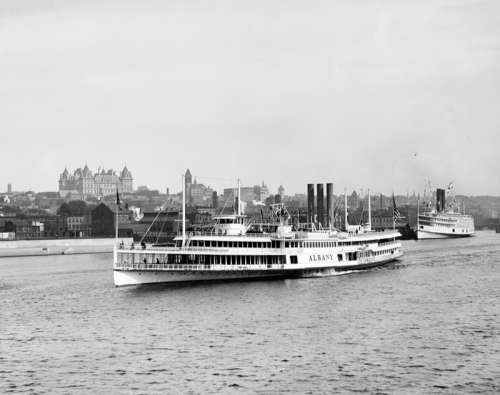 Steamer Albany departs for New York City from Albany, New York free photo