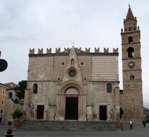Teramo Cathedral in Italy free photo