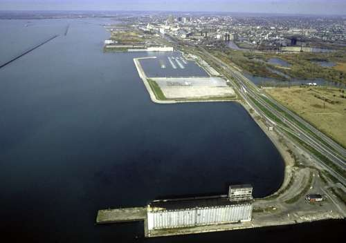 The Buffalo Outer Harbor in 1992 in New York free photo