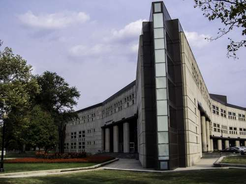 The Ohio State University's Drinko Hall in Columbus, Ohio free photo