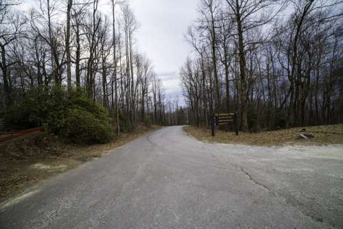 The Road up to the summit of Sassafras Mountain in South Carolina free photo