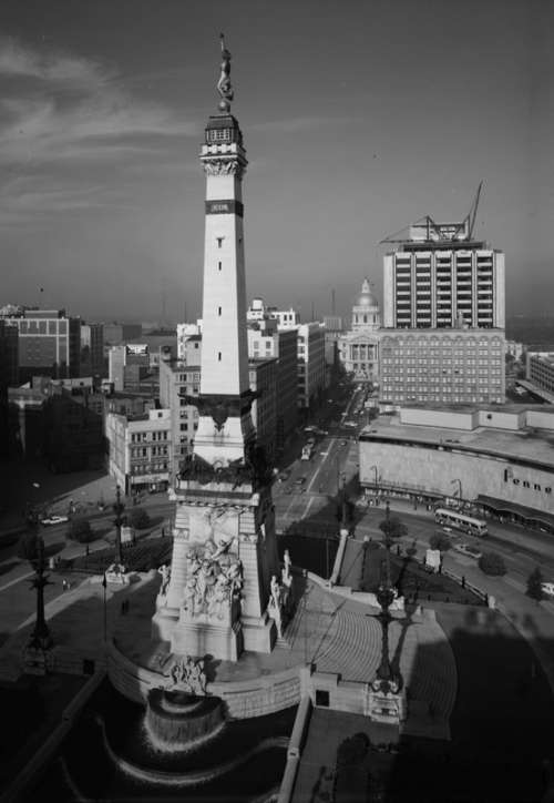 The Soldiers' and Sailors' Monument in Indianapolis, Indiana free photo